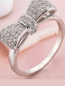 Jewelry - Silver bow ring size 7